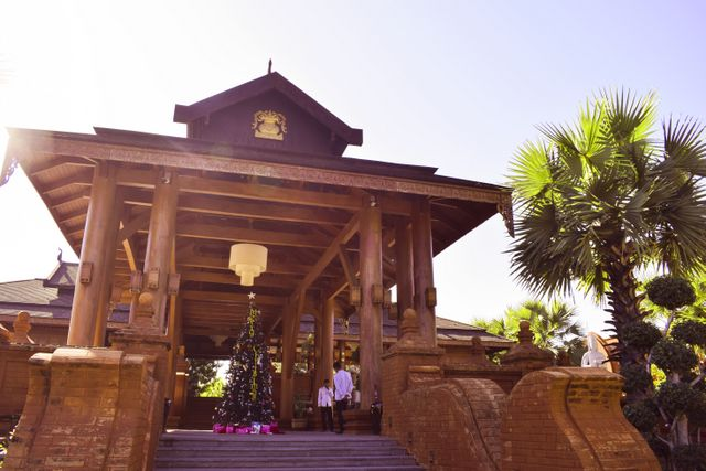 Entrance Heritage Bagan Hotel