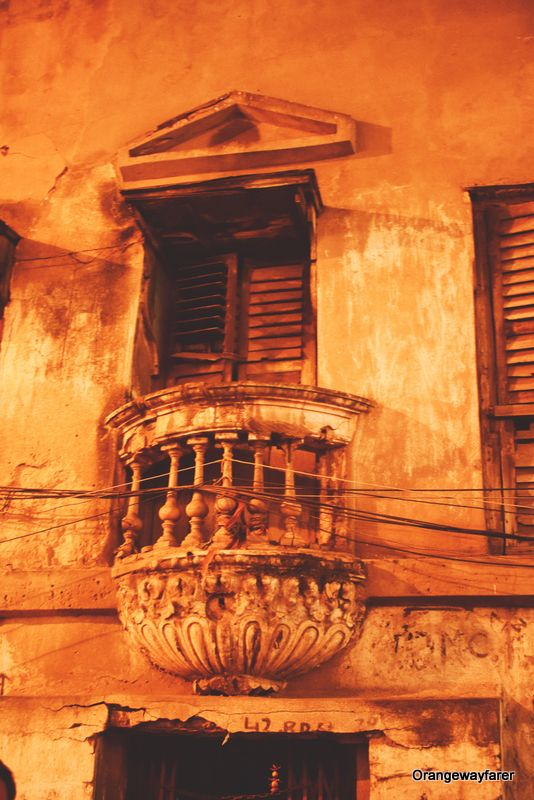 Best places to go for photography in Kolkata to exBest Instagram spots from Kolkata College Street, Ganges, Park Street, heritage places. #kolkata #calcutta #india #travelblogger #photography #culturetrip #westbengal #incredibleindia #yellowtaxi
