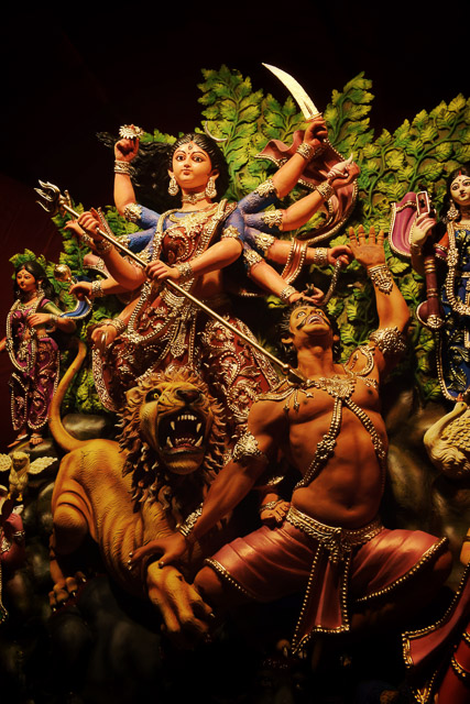 Goddess durga thakur photo   #durga #kolkata #kolktaculture #maadurga #kolkataphotography #india #hindufestival #indiaculture #bengalculture #indiafestival #indiatravel #kolkatatravel #goddess