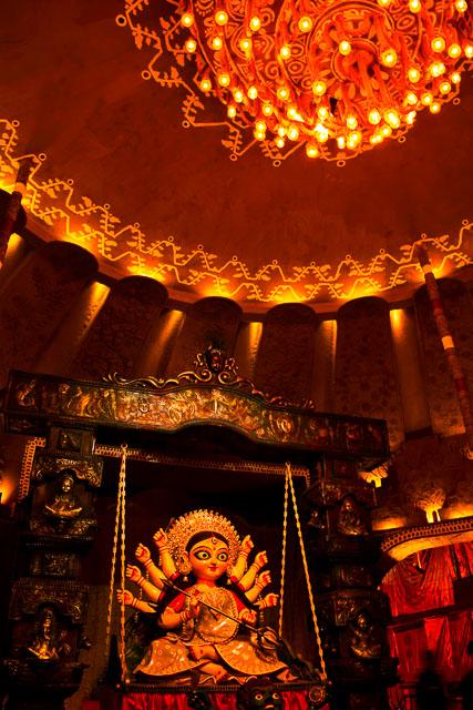 durgapuja festival photo: maa Durga, a beautiful face of Goddess  #durga #kolkata #kolktaculture #maadurga #kolkataphotography #india #hindufestival #indiaculture #bengalculture #indiafestival #indiatravel #kolkatatravel #goddess