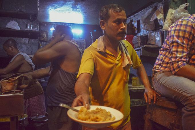 Fish Kobiraji in Kolkata at Chitto babur Dokan