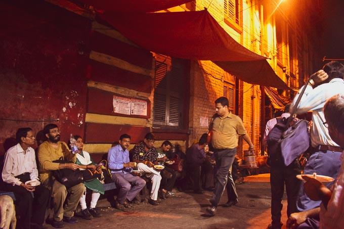 Intellectual bengalis at Decker's Lane, Kolkata