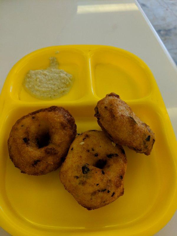 Medu Vada for breakfast at Rameswaram