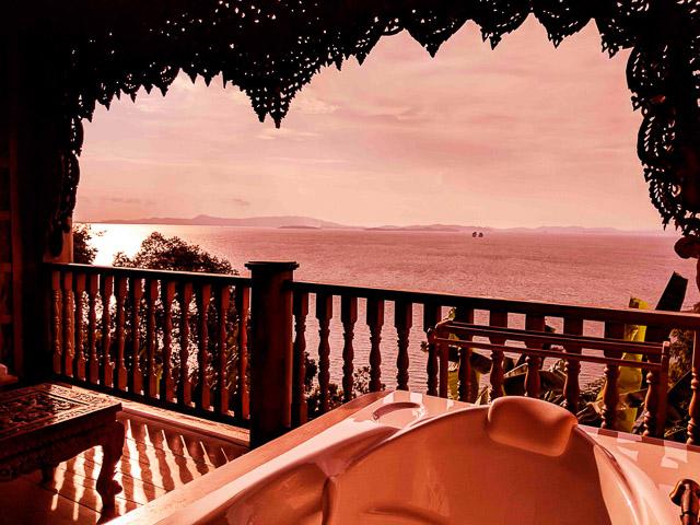 Luxury beachside resort at Thai Island: Koh Yai Yoi