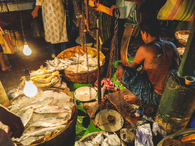 famous fish market in kolkata selling Hilsa fish