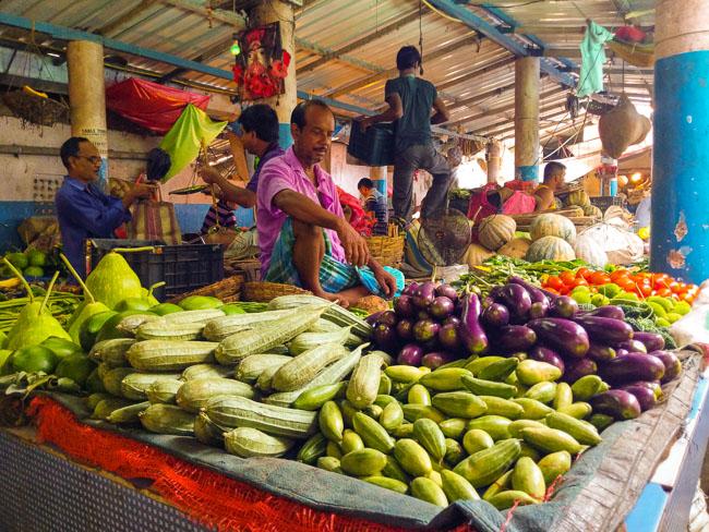 famous fish and vegentable market in kolkata