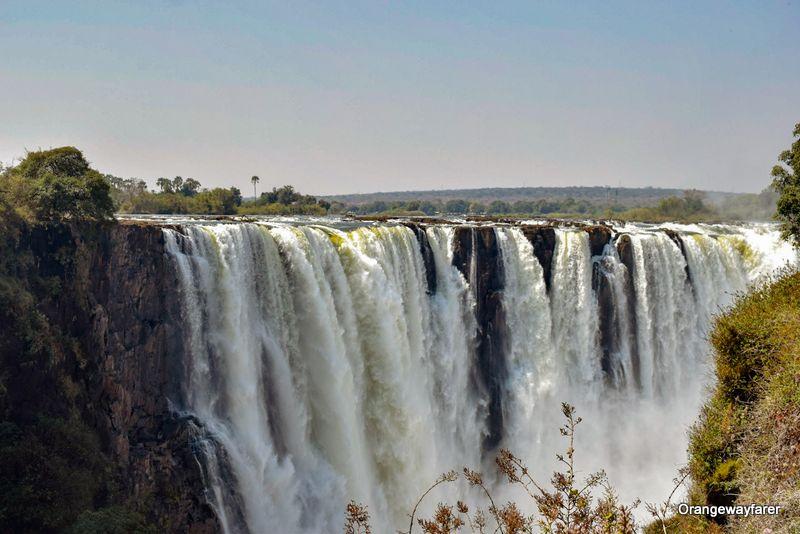 Smoke that thunders, Victoria Falls