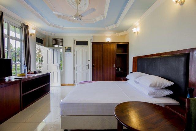 Lacabana Maldives Superior Deluxe Room (5)