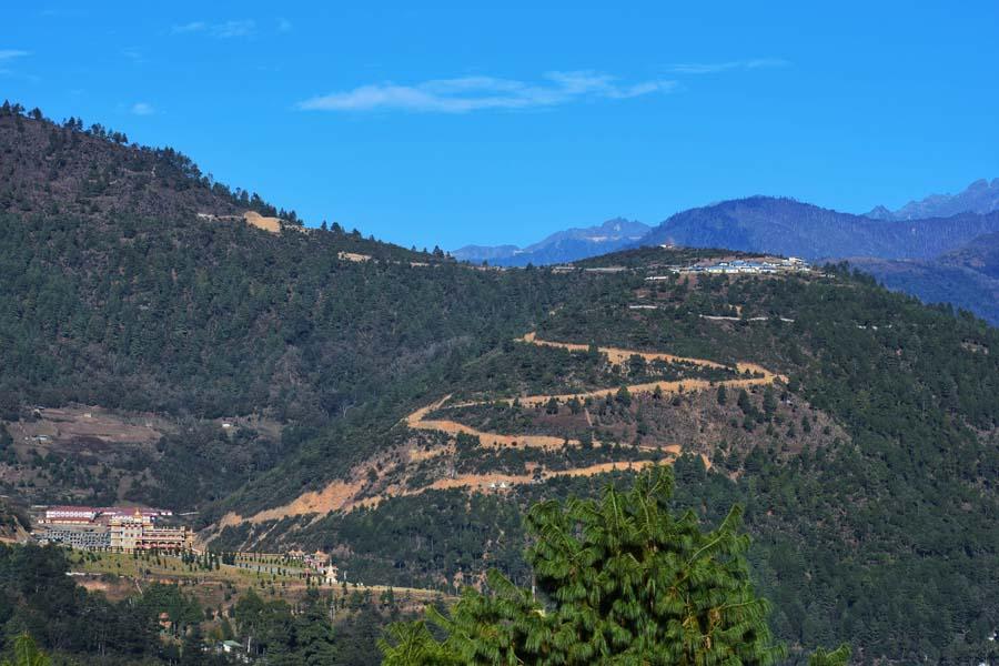 Roadtrip to tawang from Dirang valley. Traveling to Tawang can be cancelled if it snows at Sela pass