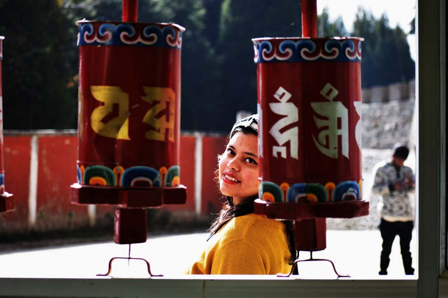 Hotel takt sang and prayer wheels