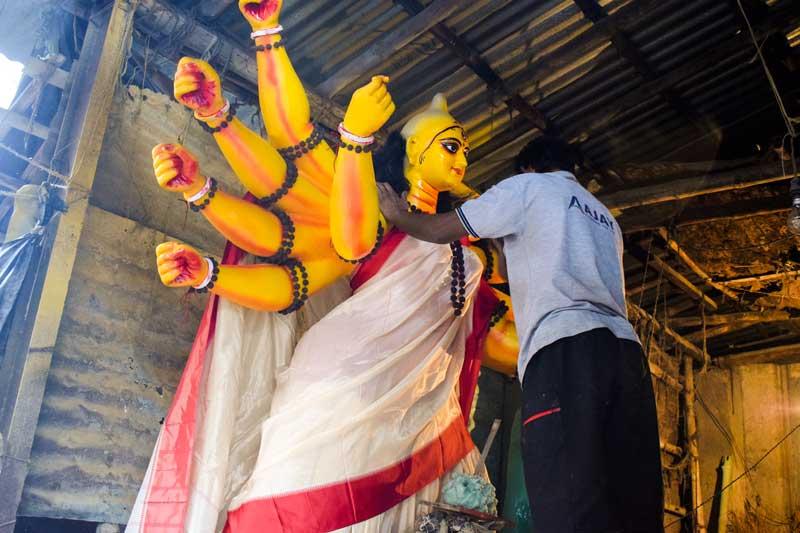 Kumartuli Durga Idol making process: Kumartuli  Durga murti