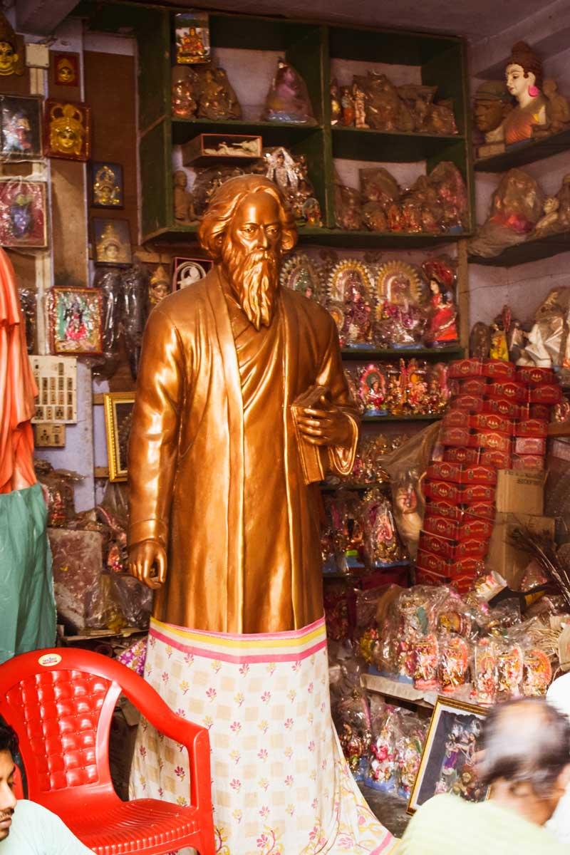 Rabindranath and bengali: shares a place with Kumartuli  Durga murti