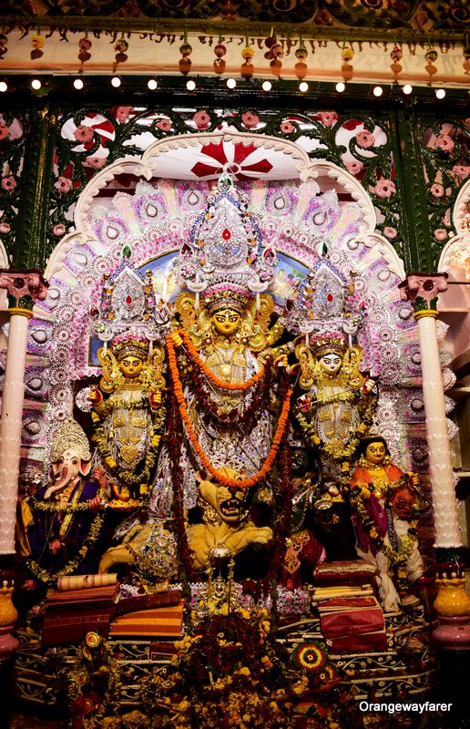 Jorasanko Dawn Bari: Narasimha Dawn Family's Puja. Durga Puja where ginshot happens on Bijoya