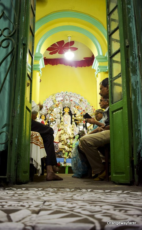 Bonedi barir durgapuja: Senbari at Ahiritola, Kolkata