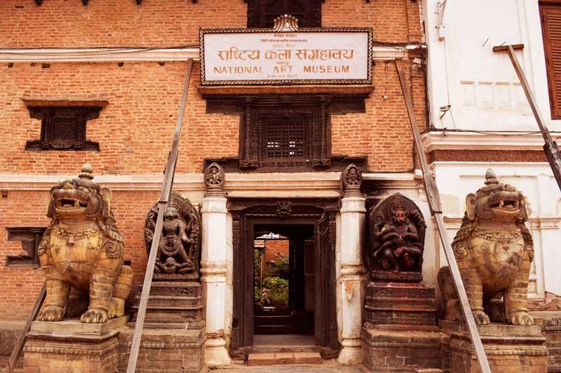 bhaktapur durbar square Lion gate