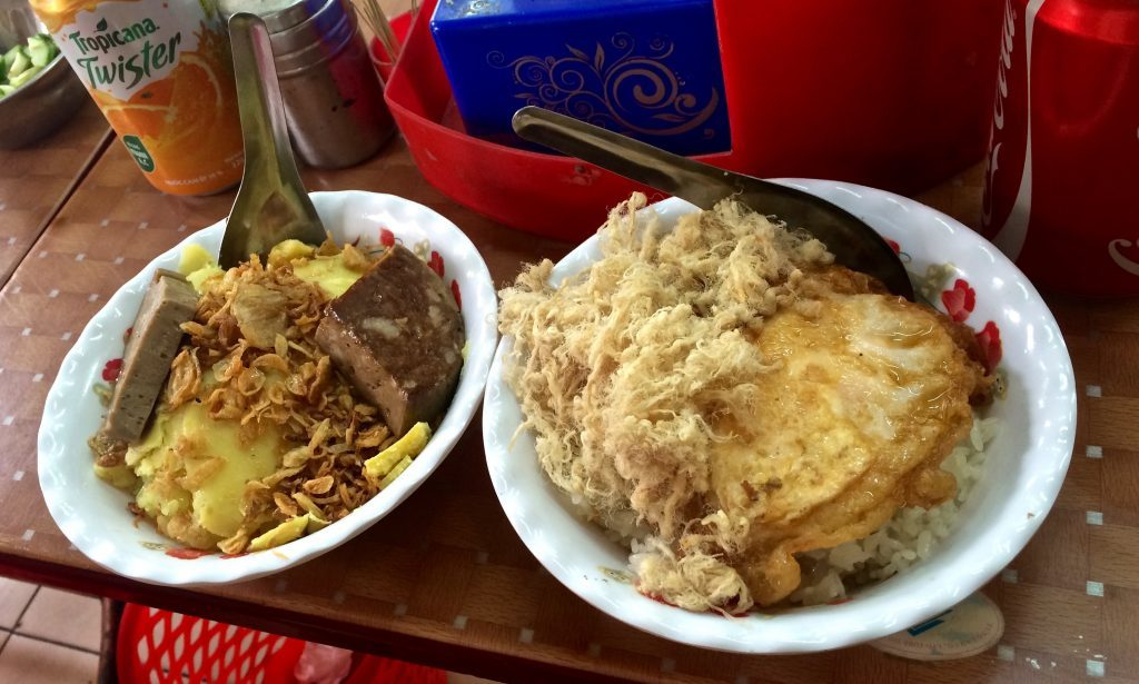 Xôi, a Vietnamese dish made from glutinous rice and topped with various other ingredients, is commonly served as dessert