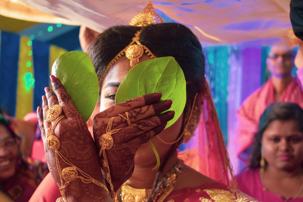 shubhodrishti: candid pictures of a bengali wedding celebration