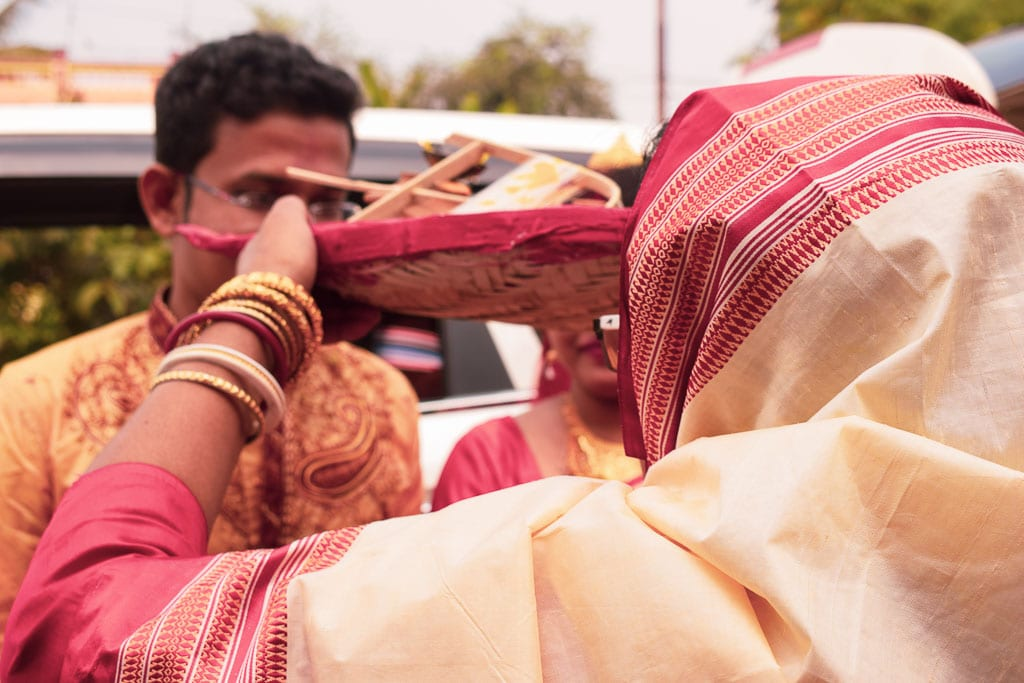 Boron: welcoming the bride and the groom in a bengali wedding celebration