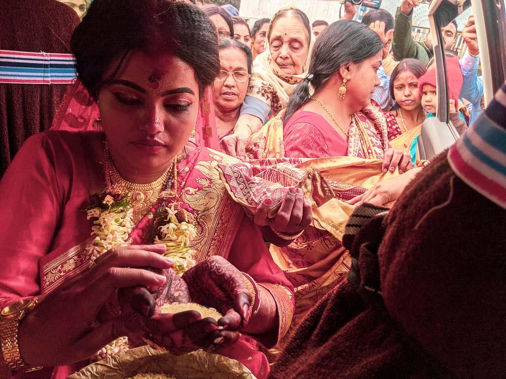 kanakanjali: Bengali wedding rituals