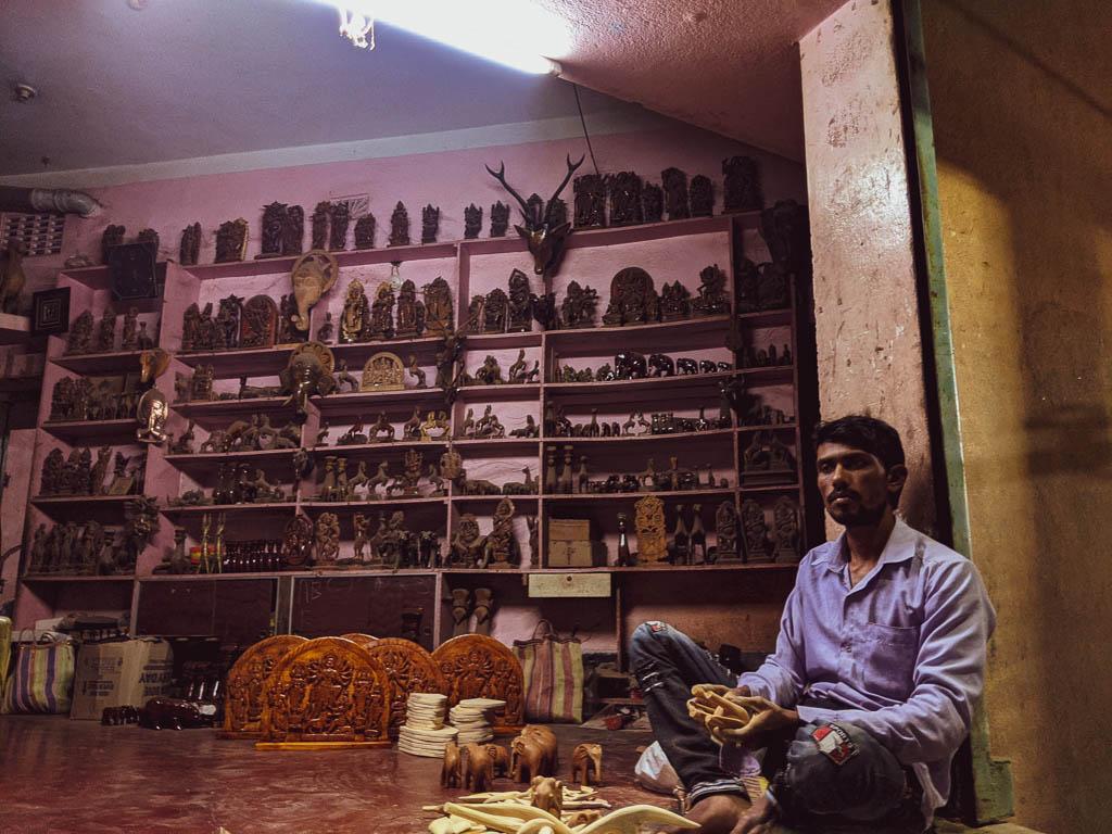 Bankura souvenier shopping: traditional art of Bengal