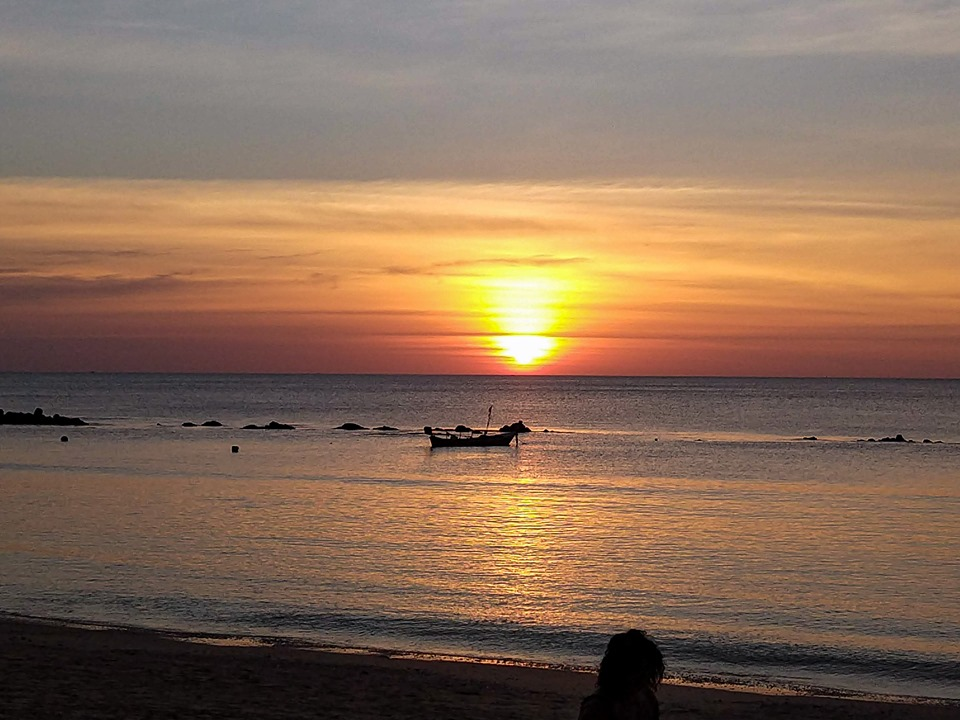 sunset at the Koh Lanta Beach: most beautiful beaches of Thailand