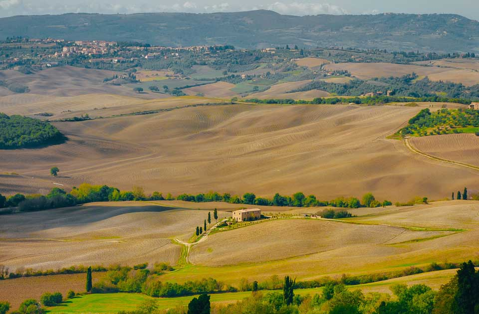 Beautiful Destinations in Italy for an Art and Culture Lover: Orange Wayfarer