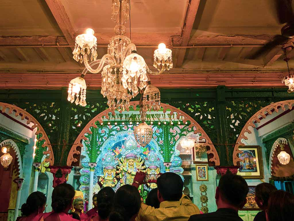 Dawn bari Kolkata: Bonedi Barir Durgapuja