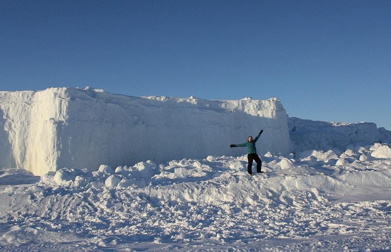 Nunavut-Snowmobiling-Iqaluit-Ice-Cliffs