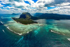 underwater waterfall mauritius: offbeat things to do in Mauritius