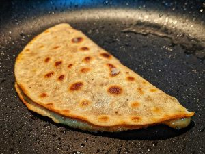 Roti pocket recipe: easy Indian quick snack. Roti wrap.