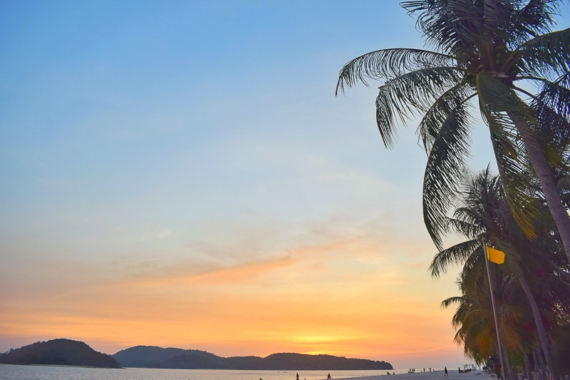 Pantai cenang Sunset: Things to do in Langkawi