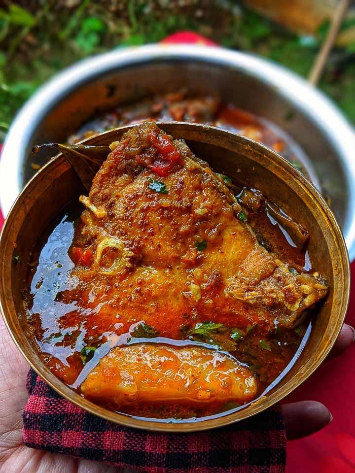 Gorom Masala diye Katla macher jhol: bengali style fish curry: Katla kaliya