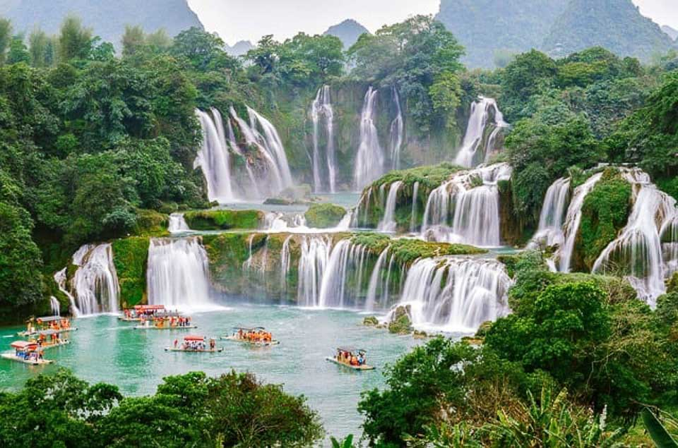 most beautiful places to visit in Vietnam: Ban Gioc Waterfall (Most beautiful waterfall of Southeast Asia)
