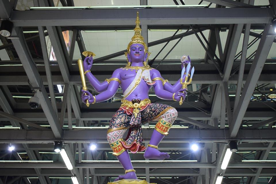 suvarnabhumi airport transit experience