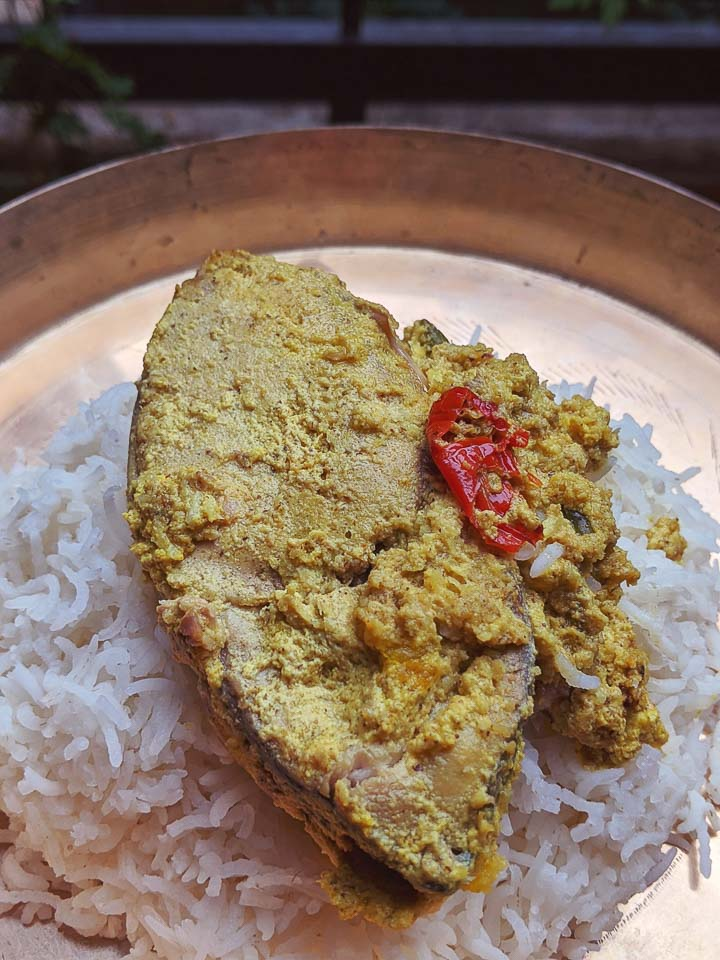 Bhapa Ilish SHorshe recipe. Hilsa in Mustard Sauce