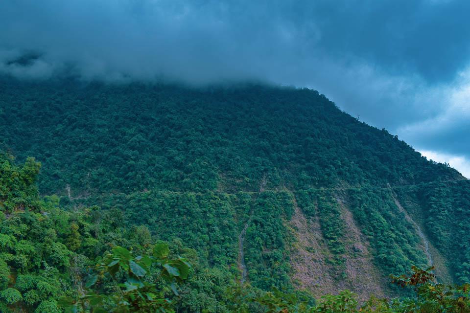 Wat to Dirang valley from Bhalukpong: roadtrip to Tawang