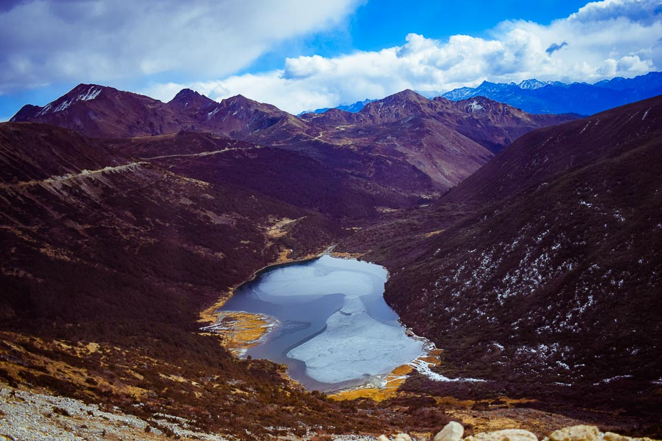 Tawang Travel Guide: A Glacial Lake on the way to Bum La pass, an obscure Himalayan Pass