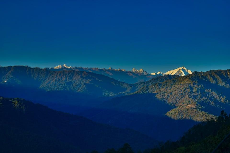 Gorichen peak during sundown, seen from Bum la