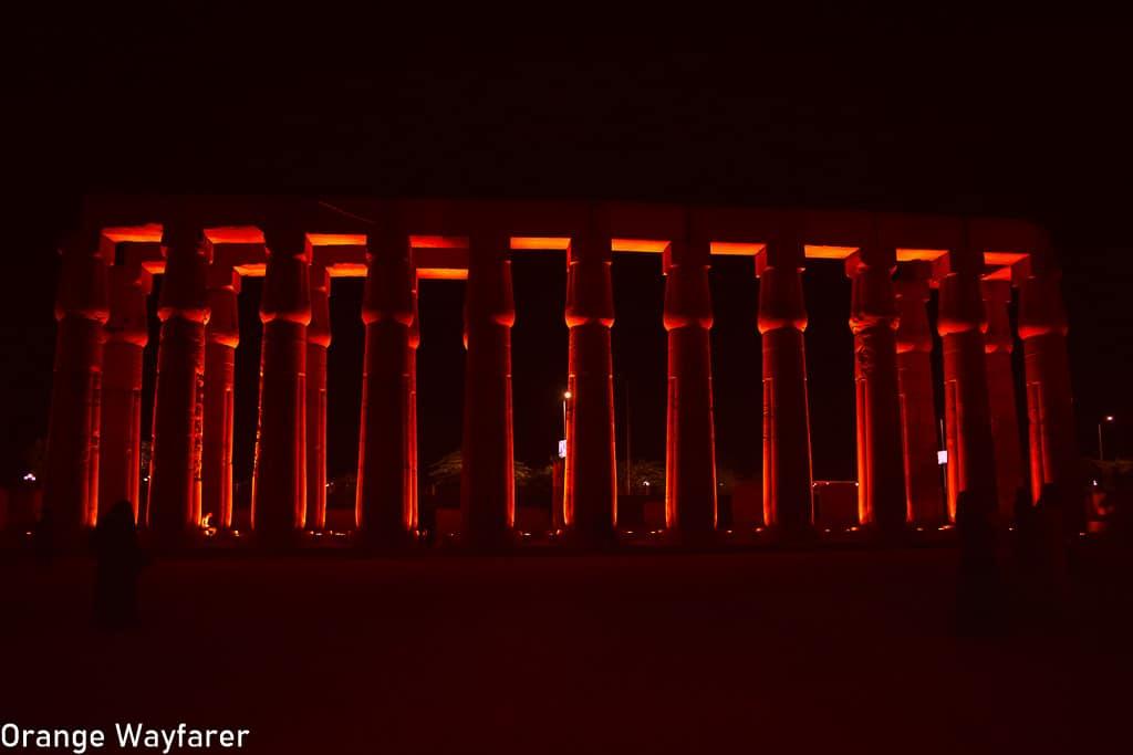 Travel Guide to Egypt: Thousand pillar column in Luxor, Egypt